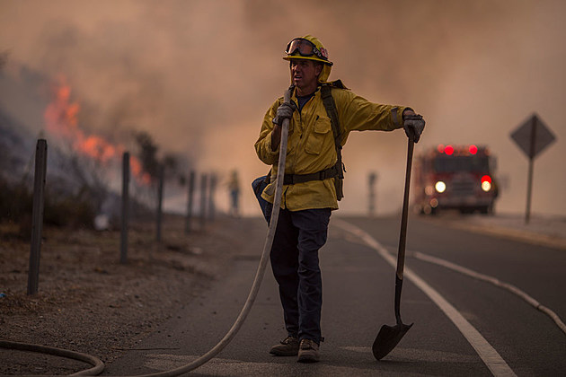 La Tuna Canyon Fire Prompts Evacuations in Burbank